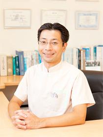 ひらの矯正歯科院長 平野 正芳